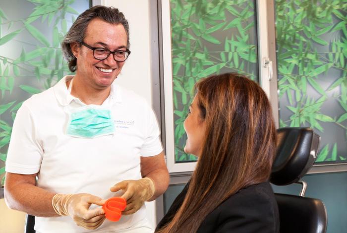 Plasmamedizin ist die Innovation für Ihre Zahngesundheit. Parodontose-Behandlung, Karies-Vorbeugung und BIO-Bleaching mit Plasmabehandlung. Erleben Sie schmerz- und nebenwirkungsfreie Anwendung bei Ihrer Zahnarztpraxis Dr. Schröder in Stuttgart.