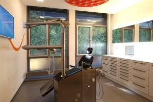 Praxisfotos der Zahnarztpraxis Dr. Schröder & Partner in Stuttgart - Kompetenz-Zentrum moderne Zahnmedizin. Direkt am Stuttgart Hauptbahnhof bieten wir Ihnen moderne und ästhetische Zahnheilkunde.