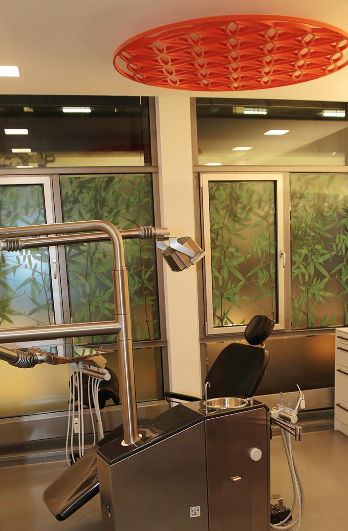 Feng Shui in Ihrer Zahnarzt-Praxis Dr. Schröder in Stuttgart: In unseren Behandlungszimmern finden Sie die Blume des Lebens, das vollkommenste und kraftvollste aller Energiesymbole.